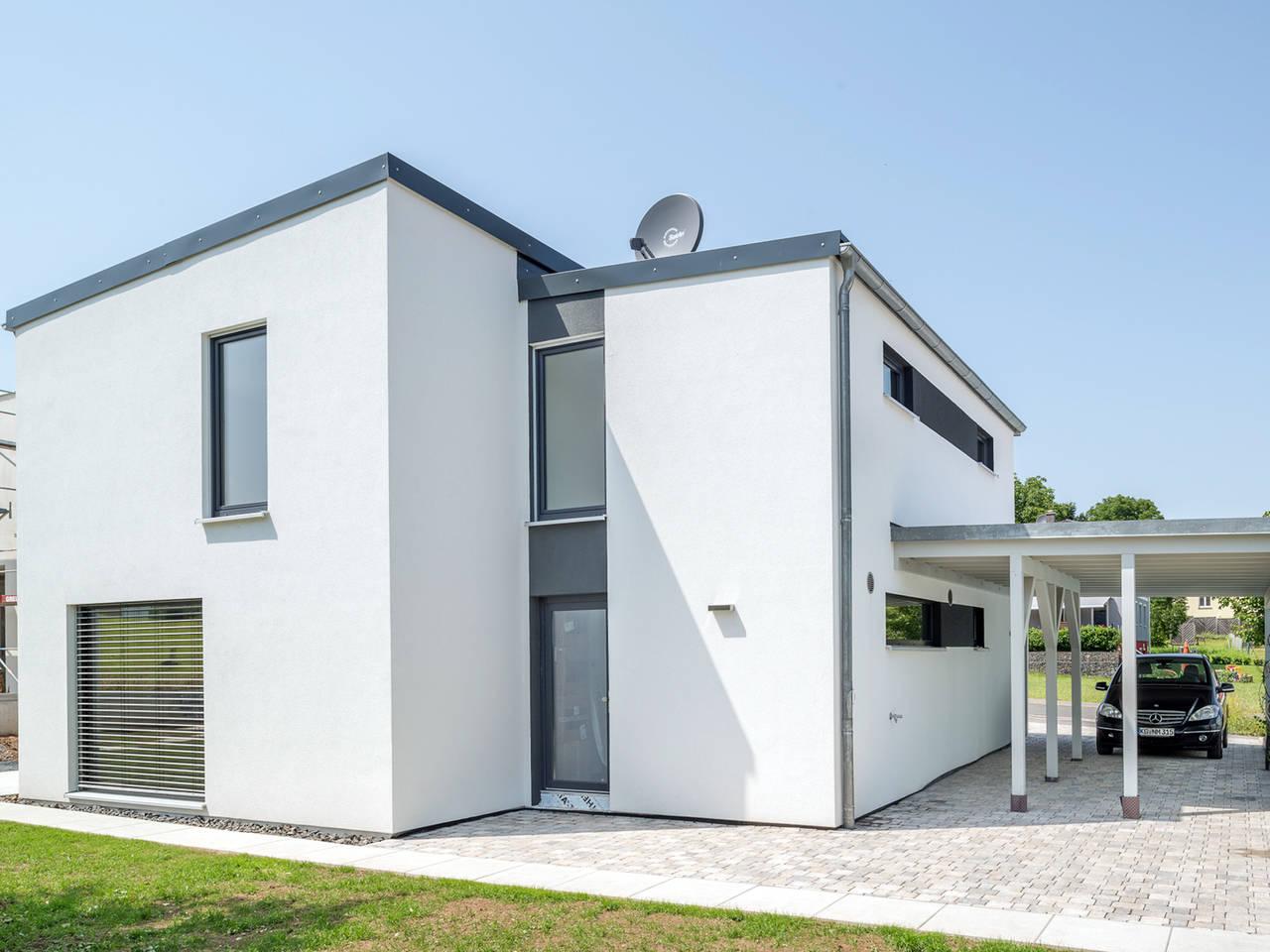 Einfamilienhaus im Bauhausstil Hinteransicht