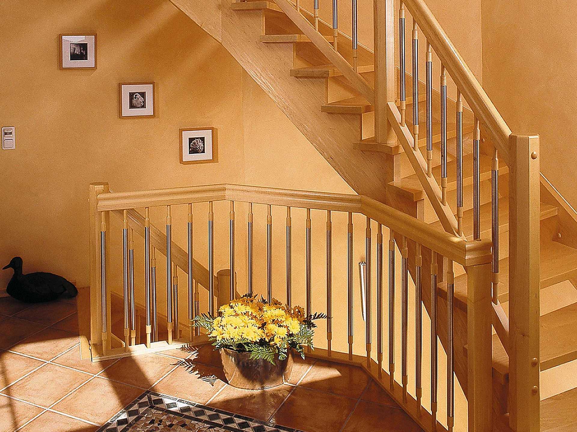 Innenansicht Treppenhaus - Zweifamilienhaus L161.10 - Fingerhut Haus