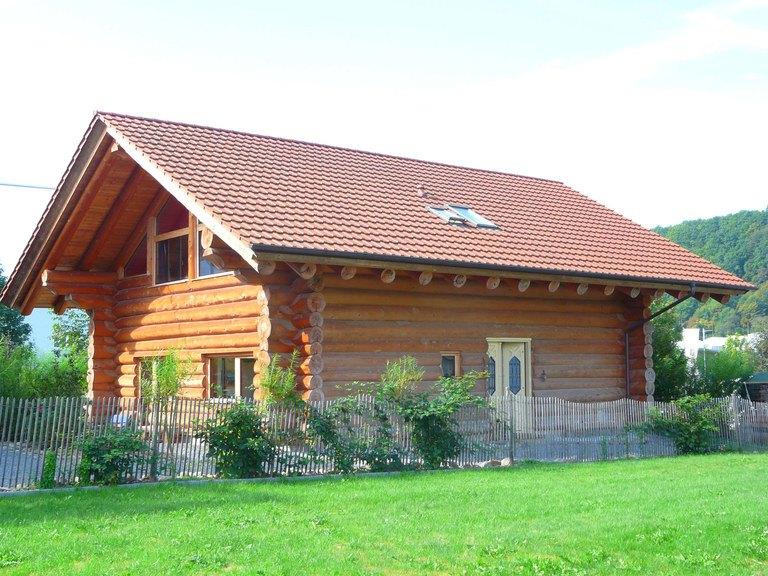Naturstammhaus - Außenansicht 1