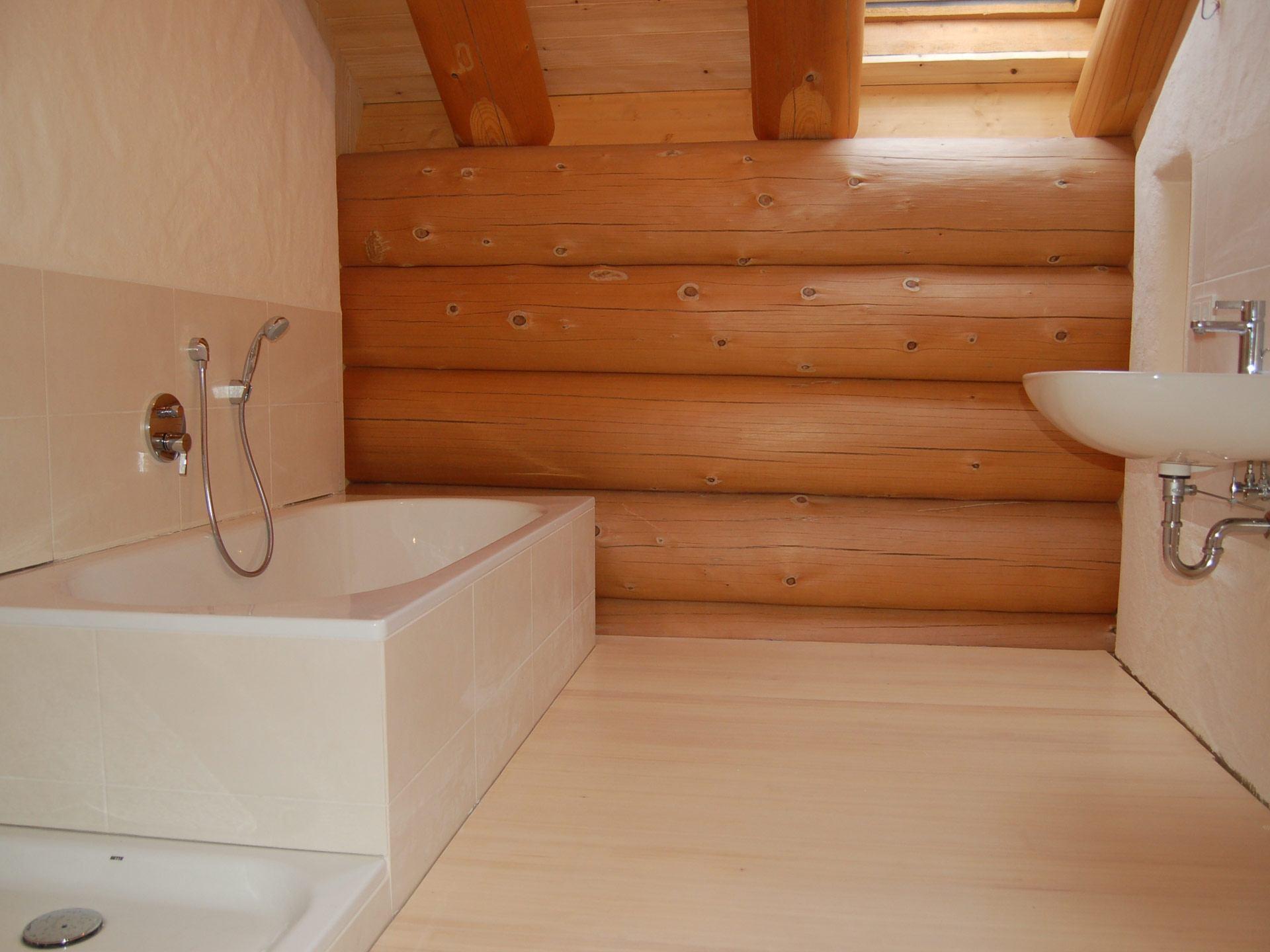 Naturstammhaus - Badezimmer