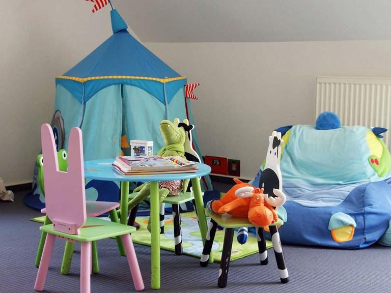Innenansicht Kinderzimmer - Musterhaus Bad Vilbel bei Frankfurt  - Fertighaus Weiss