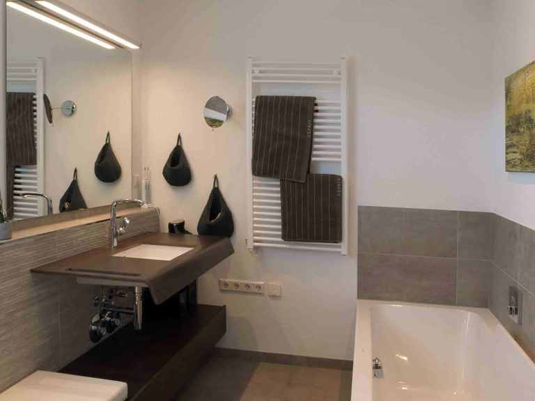 Stadtvilla Swing Sonderplanung - Schwabenhaus Badezimmer