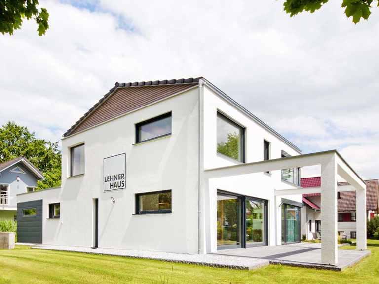 Lehner Haus Musterhaus Ulm Gartenansicht