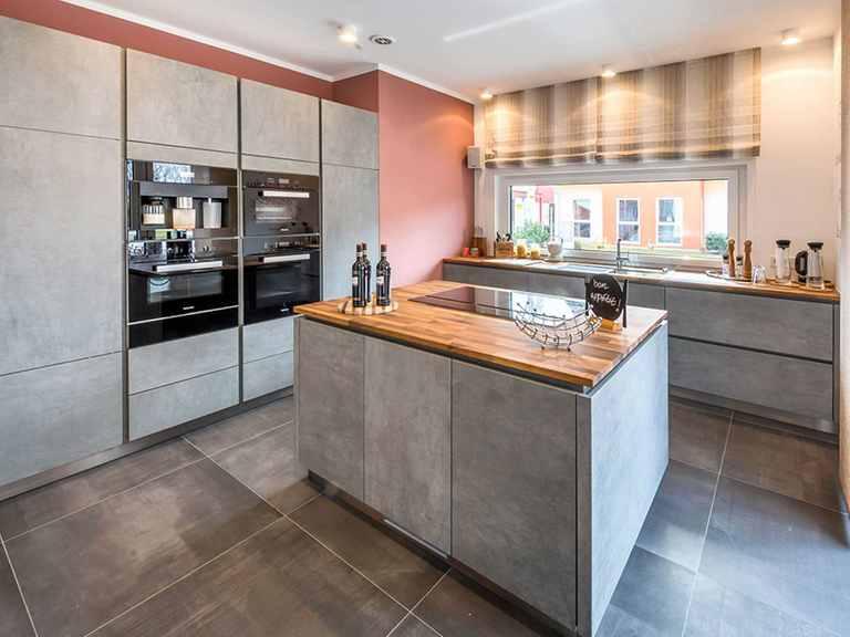 Offene Küche - Musterhaus Poing von OKAL Haus