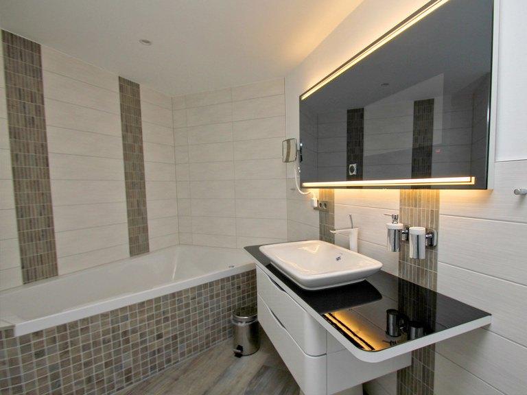 Musterhaus Leuchtfeuer - Ohrdrufer Hausbau, Badezimmer