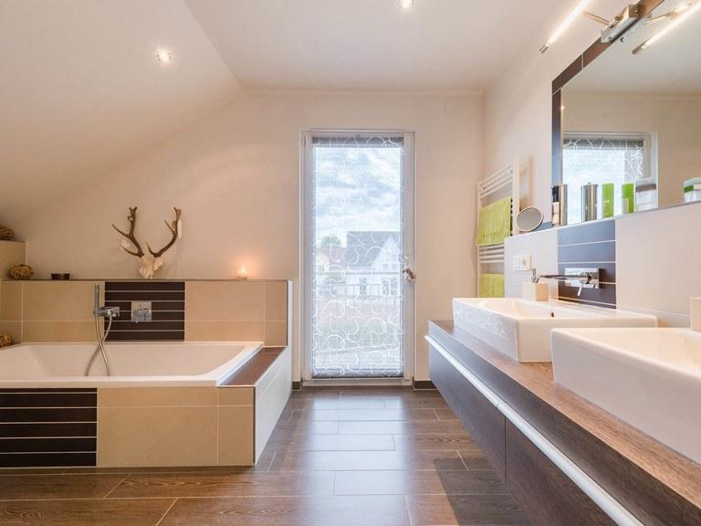Kundenhaus Linz - Badezimmer