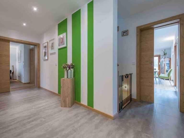 Individuell geplantes Kundenhaus 6 - WOLF System Haus Flur