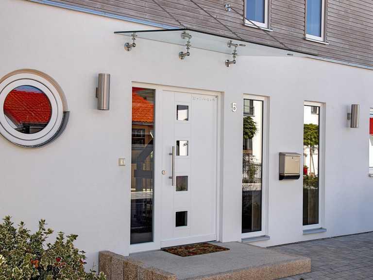 Kundenhaus Oberbayern Eingang