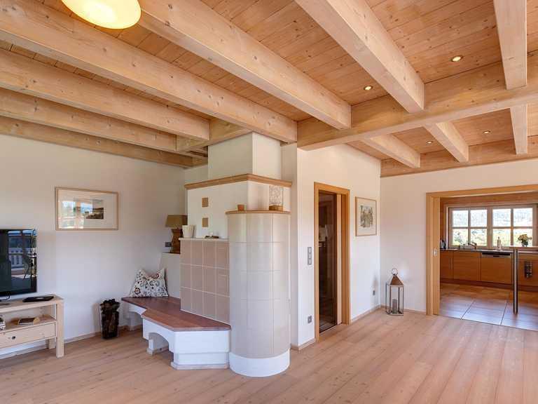 Kundenhaus Attergau Wohnbereich mit Kamin