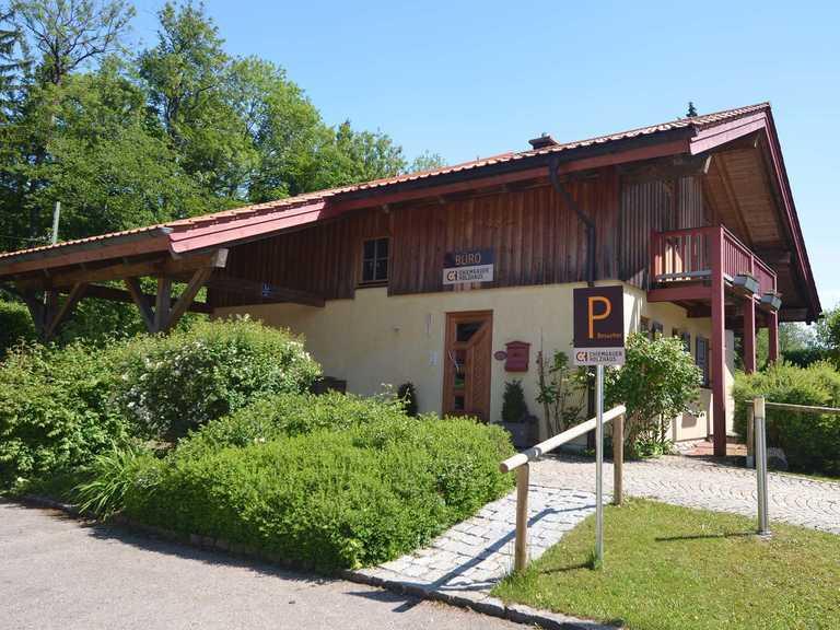 Besucherparkplatz Massiv-Holzhaus Seiboldsdorf