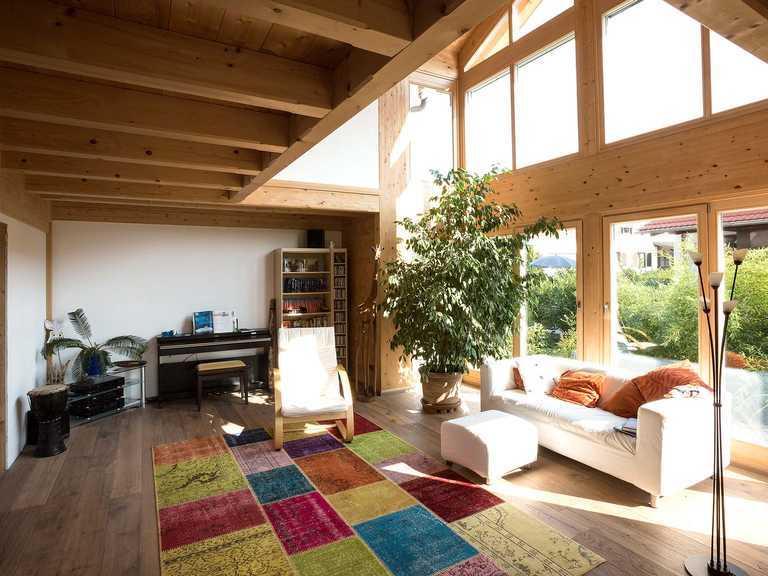 Chiemgauer Holzhaus Blockhaus Chieming Wohnbereich 1