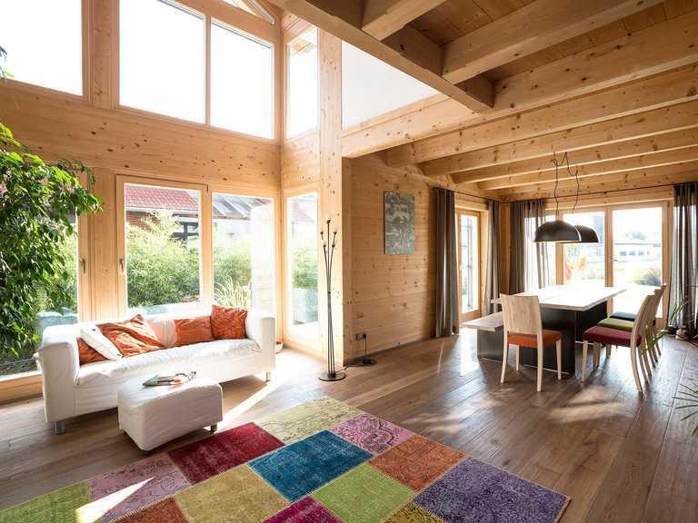 Chiemgauer Holzhaus Blockhaus Chieming Wohnbereich 2