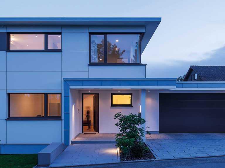 Außenansicht bei Nacht - KitzlingerHaus - Kitzlinger Haus Schillerhoehe