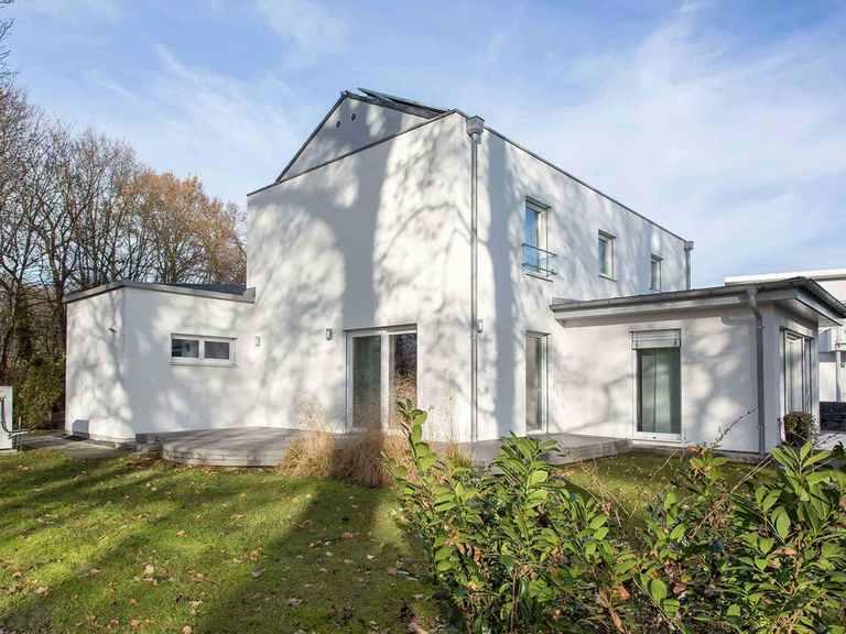 Musterhaus Patria - WOLF System Haus Gartenansicht
