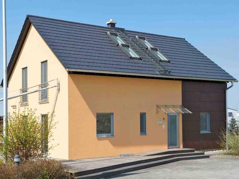 Musterhaus Schierling - WOLF System Haus Eingang