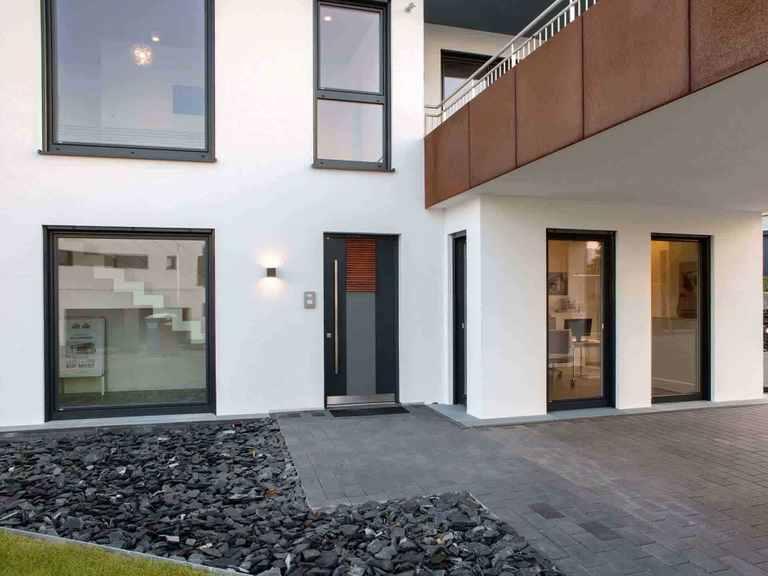 Musterhaus Wincheringen - WOLF System Haus Hauseingang