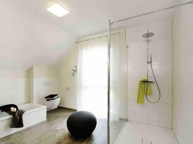Einfamilienhaus Balance 080 - WeberHaus Badezimmer