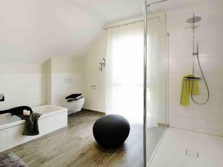 Stadtvilla Balance 250 - WeberHaus Badezimmer