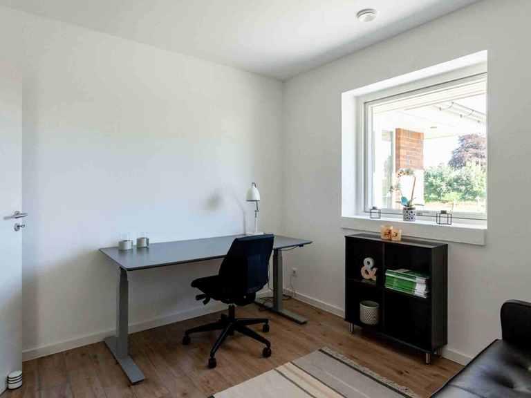 Bungalow B110 - Die HausCompagnie Arbeitszimmer