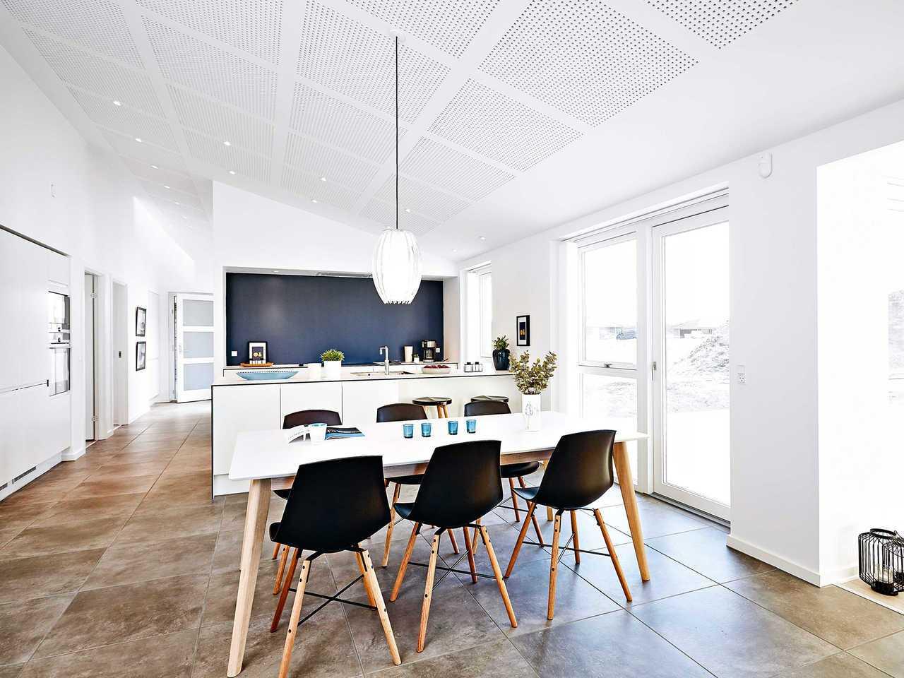 Bungalow B123 Innenansicht Essbereich und offene Küche
