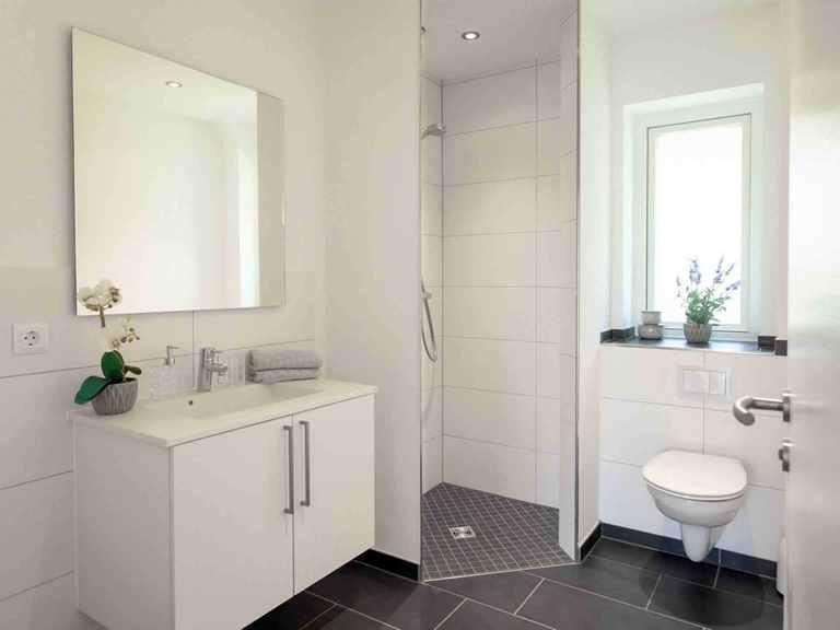 Bungalow B123 - Die HausCompagnie Badezimmer