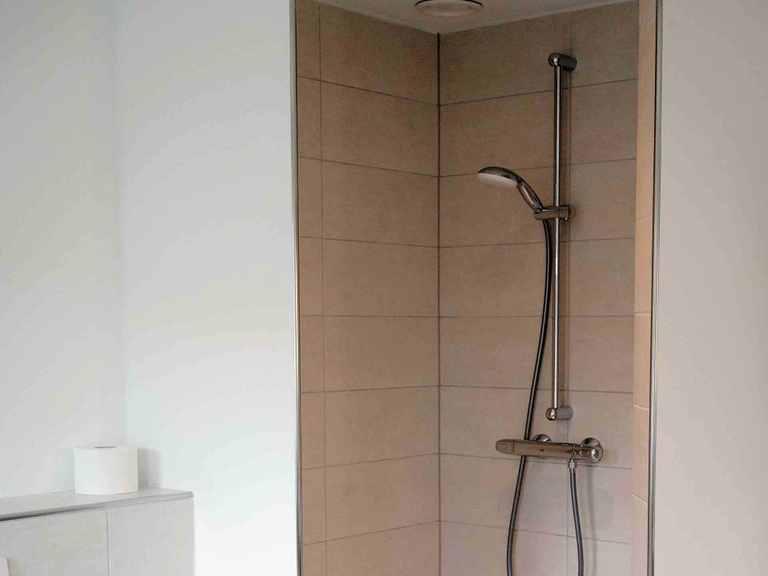 Einfamilienhaus EFH160 - Die HausCompagnie Badezimmer: Dusche