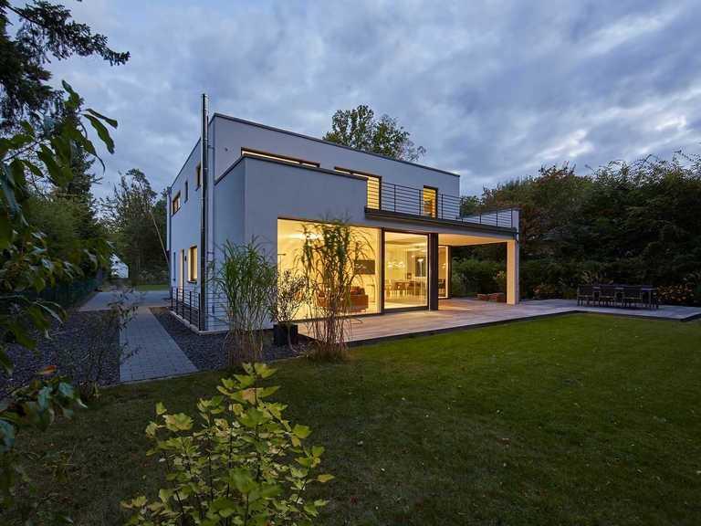 Designhaus Kubus, Gartenansicht