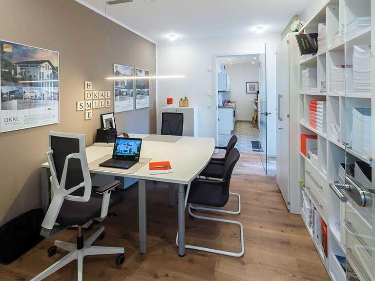 Arbeitszimmer - Musterhaus Estenfeld von OKAL Haus