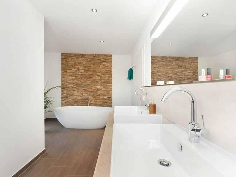 Badezimmer - Kubus Haus Unikat 082 - Maleck von TALBAU-Haus