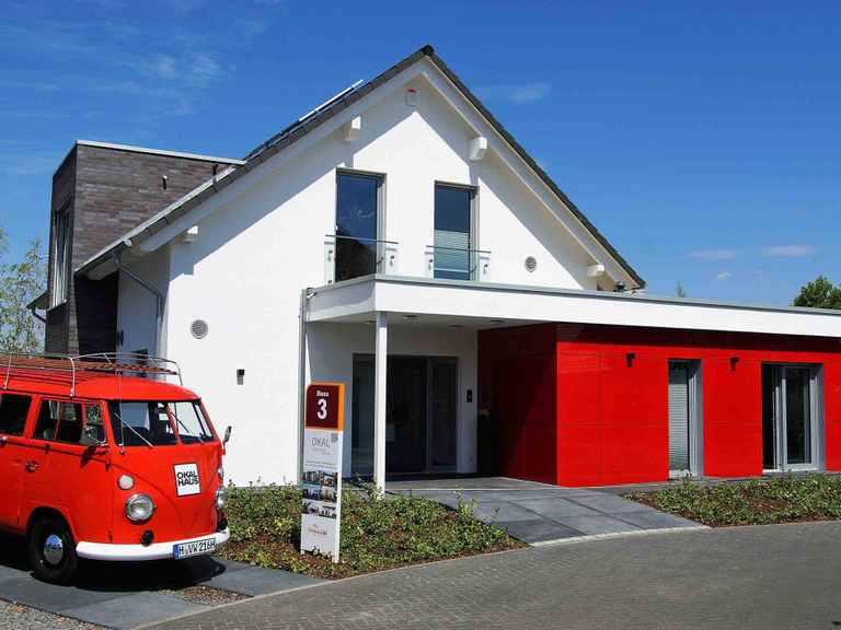 Musterhaus Langenhagen - OKAL Haus Eingang des Musterhaus Langenhagen