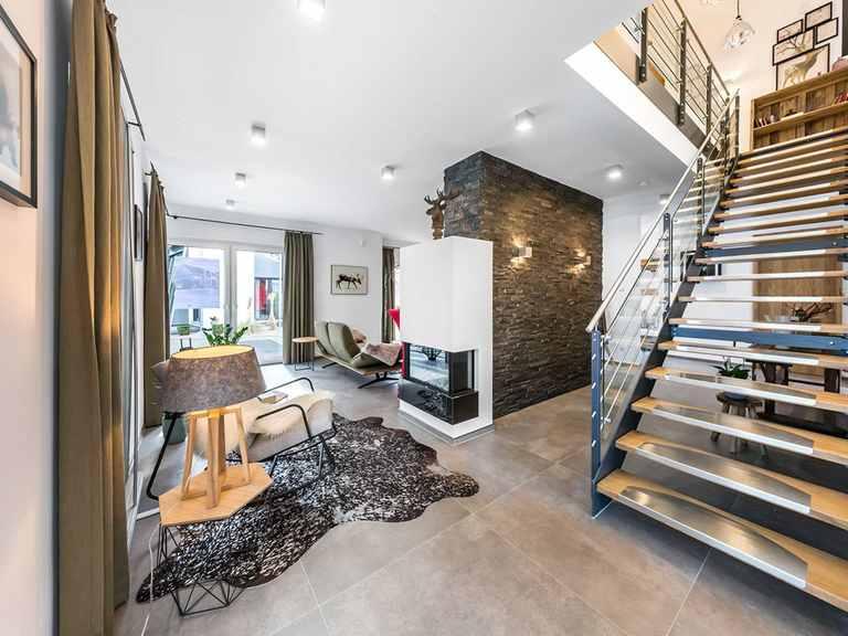 Treppe - Musterhaus Fellbach von OKAL Haus