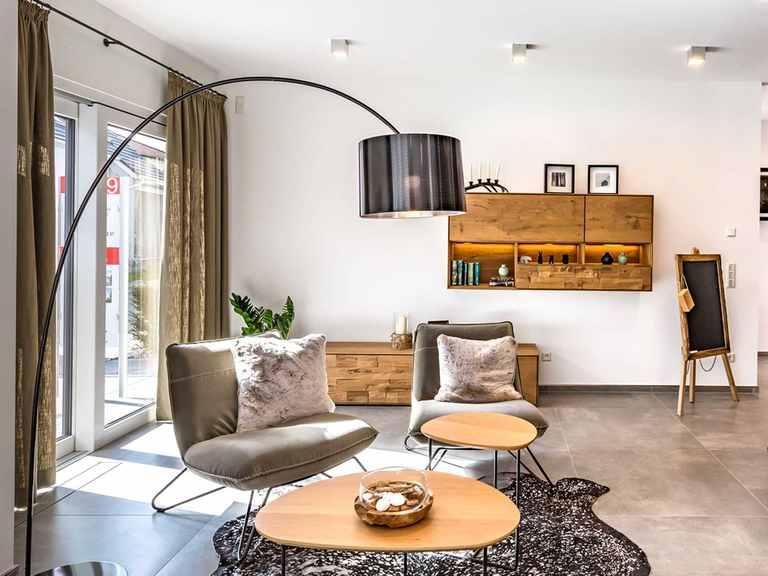 Wohnzimmer - Musterhaus Fellbach von OKAL Haus