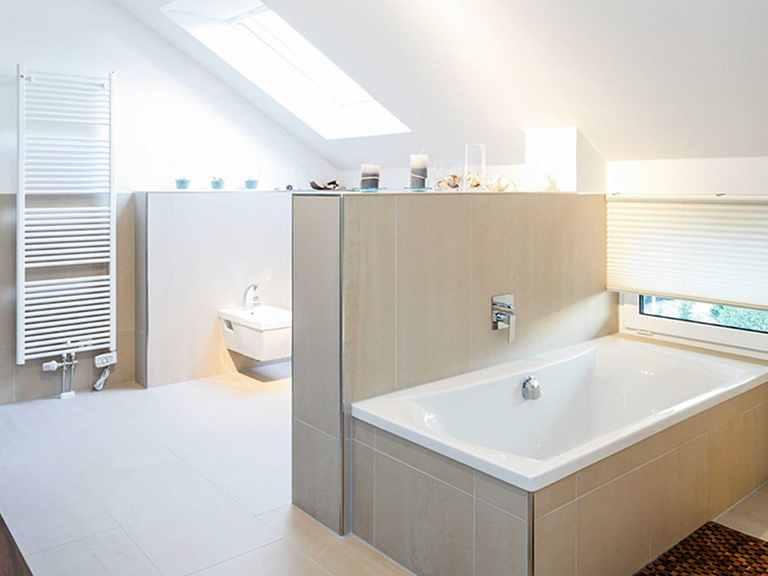 Badezimmer - Musterhaus Mannheim von OKAL Haus
