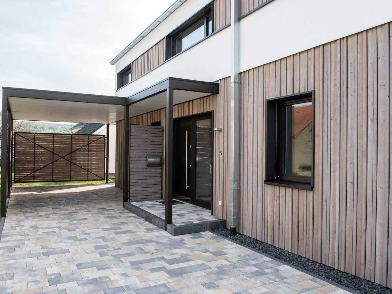 Musterhaus Design 183 von Frammelsberger Holzhaus Eingang