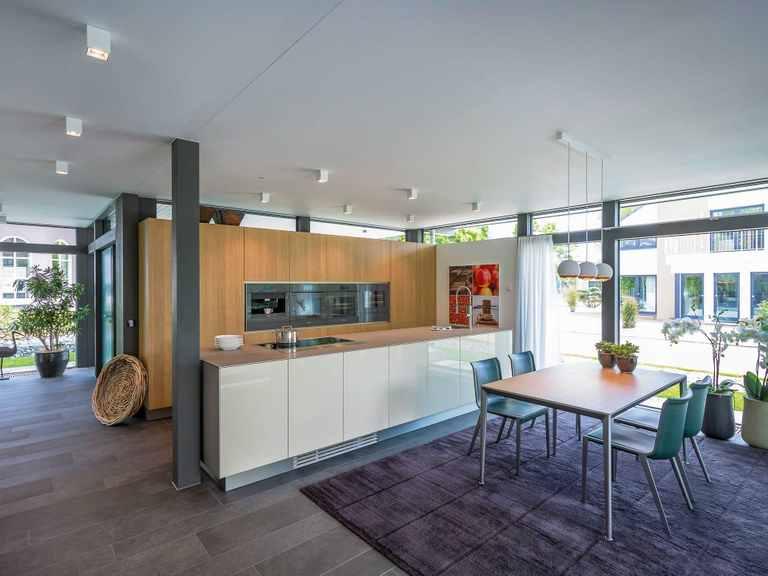 HUF HAUS - Musterhaus Mannheim Offene Küche und Essbereich