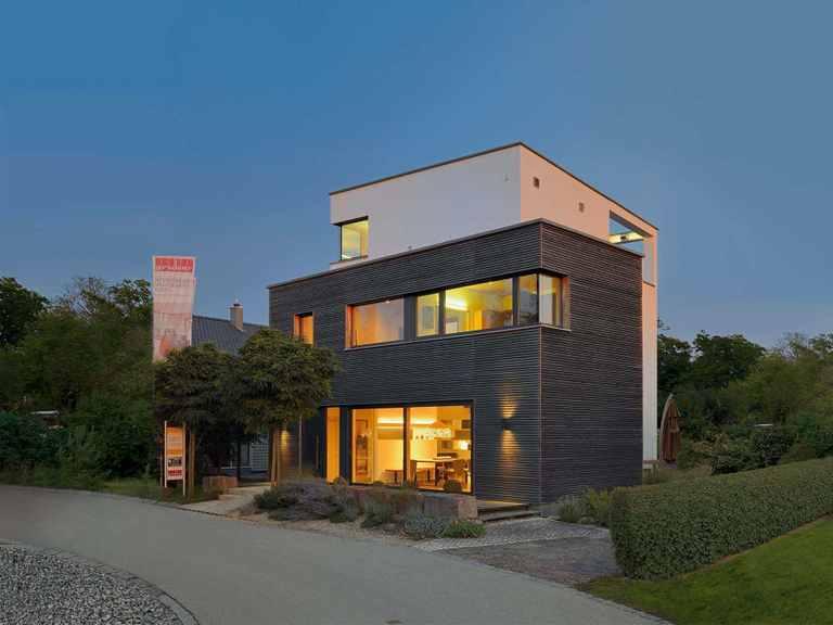 Gruber Holzhaus Musterhaus Poing weitere Aussenansicht