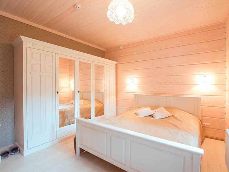 Holzhaus Indra Schlafzimmer 1