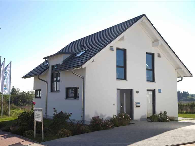 Musterhaus COMPACT 133 Siewert Hausbau Ansicht von vorne
