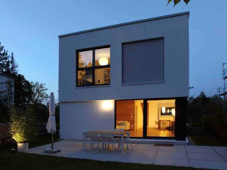 Kubus Haus Murano - GUSSEK HAUS Terrasse am Abend