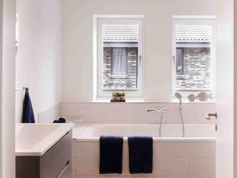 Einfamilienhaus Halstenbek - Die HausCompagnie Badezimmer