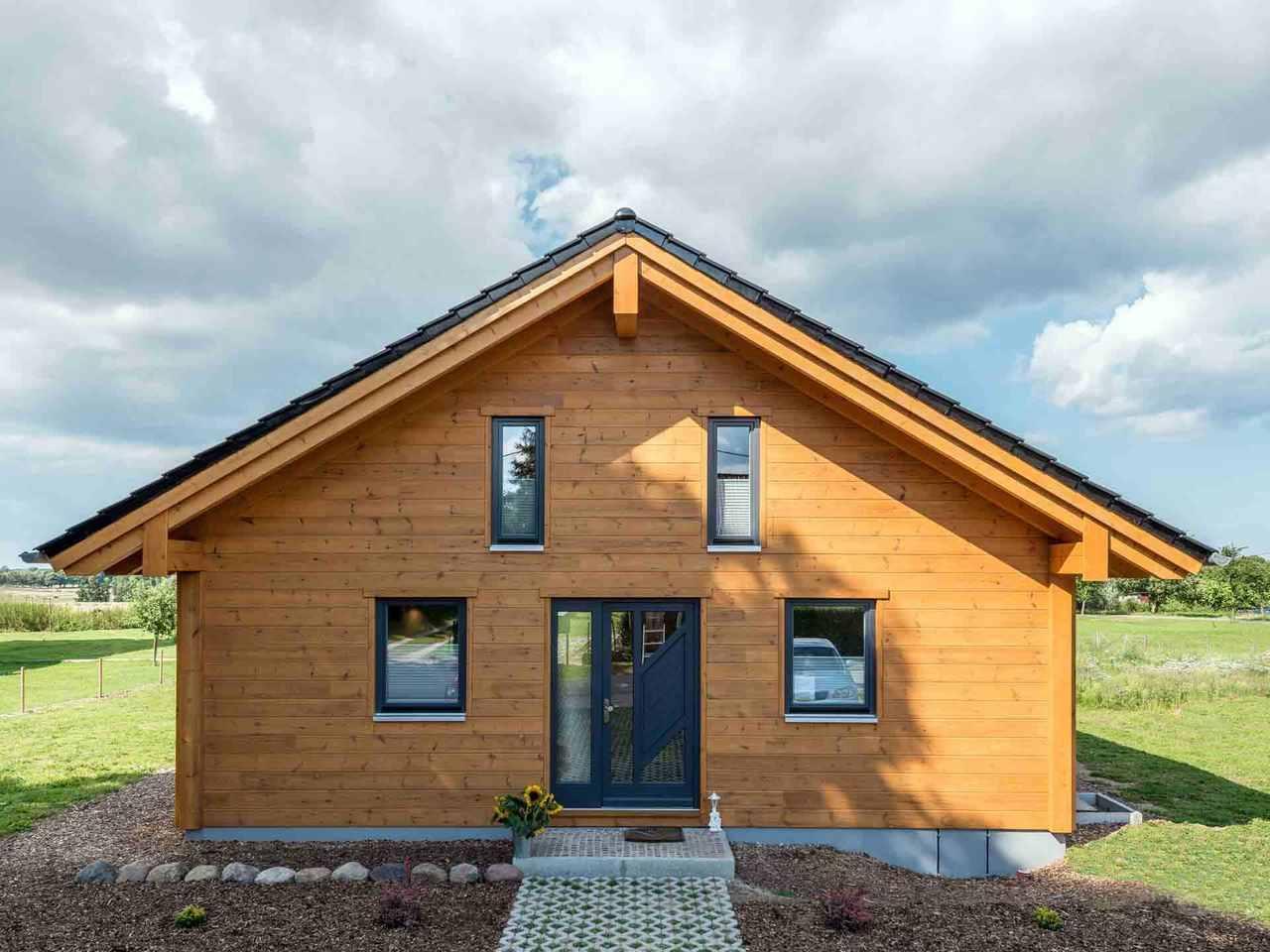 Musterhaus Wismarbucht - Fullwood Wohnblockhaus
