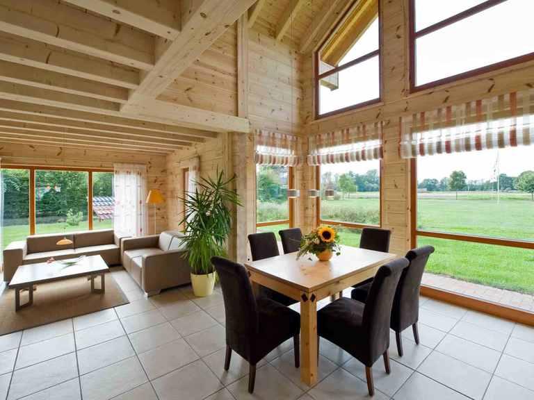 Musterhaus Havelland - Fullwood Wohnblockhaus Wohn- und Essbereich