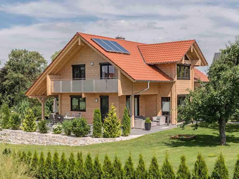 Holzhaus Mittelfranken Fullwood Wohnblockhaus Gartenansicht