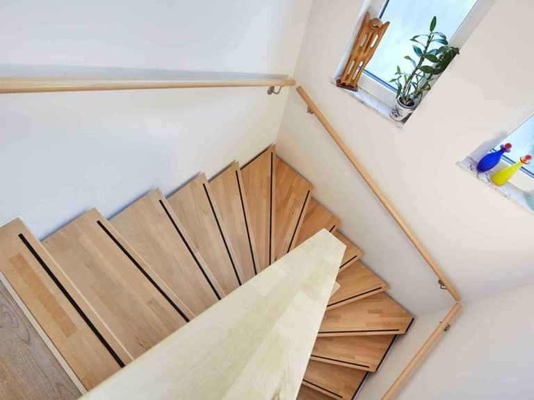 Stadtvilla Walmdach 175 LUXHAUS Treppenhaus