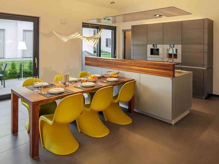 Musterhaus Fellbach - LUXHAUS Essbereich und offene Küche