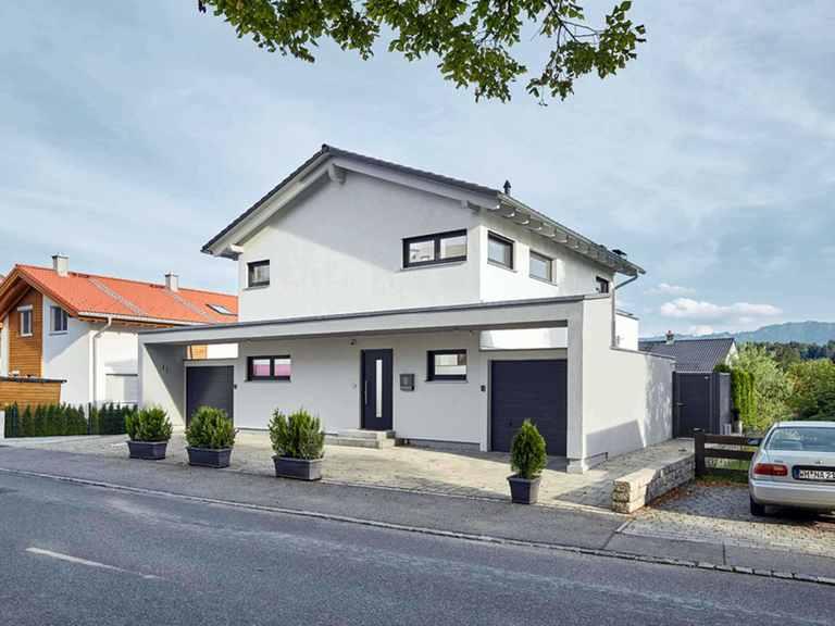 Landhaus Satteldach 139 - LUXHAUS