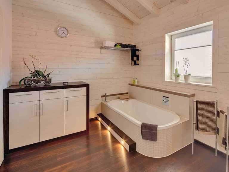 weitere Außenansicht Badezimmer OG