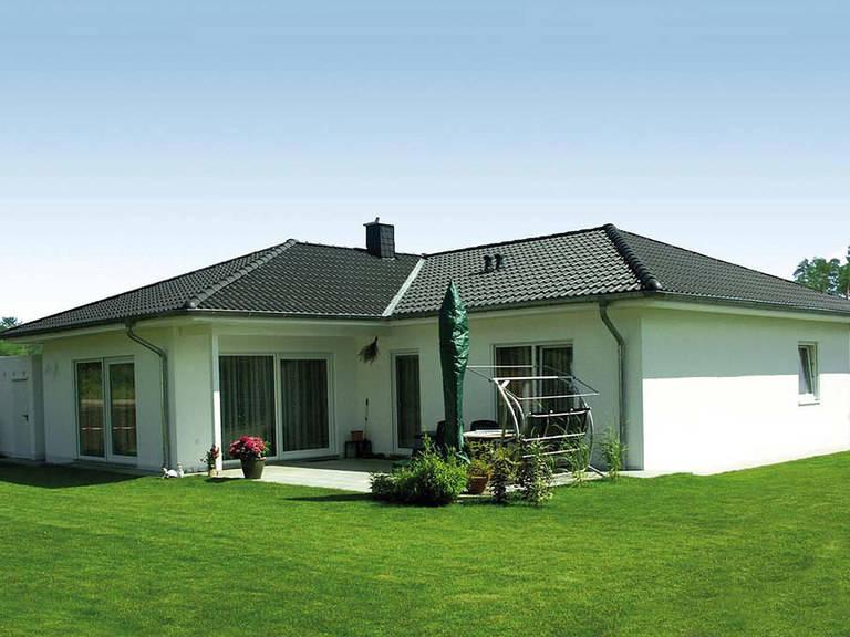 bungalow exquisit 4 stein auf stein massivhaus. Black Bedroom Furniture Sets. Home Design Ideas