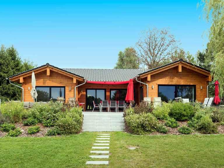 Holzhaus Bungalow Seeblick - Fullwood