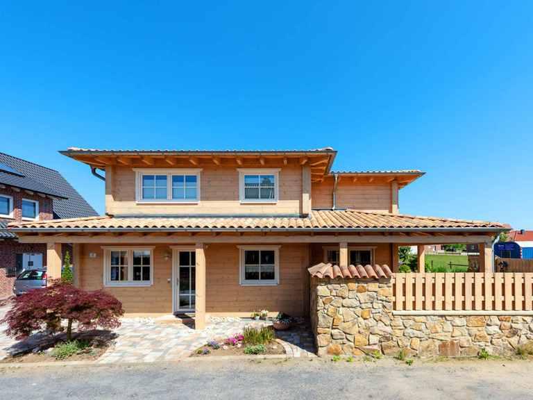 Holzhaus Provence mit Einliegerwohnung - Fullwood